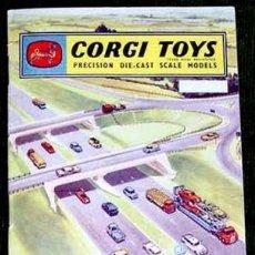 Coches a escala: CATALOGO DE CORGI TOYS AÑOS 60 EN ESPAÑOL . Lote 154232492