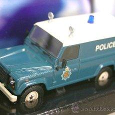 Coches a escala: LAND ROVER DEFENDER POLICE - POLICIA - EDICIÓN LIMITADA - CORGI - ESCALA 1/43 - NUEVO EN CAJA. Lote 27293549