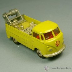 Coches a escala: VOLKSWAGEN PICK-UP BREAKDOWN RECOVERY GRUA PICKUP VW - CORGI TOYS MADE IN G.B. - VINTAGE 1967. Lote 38364808