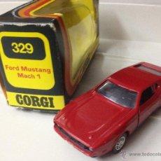 Coches a escala: ANTIGUO CORGI TOYS ENGLAND 329 FORD MUSTANG MACH 1 ROJO CON CAJA. EXCELENTE. Lote 40283829