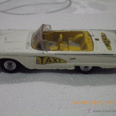 Coches a escala: CORGI TOYS FORD THUNDERBIRD TAXI DESCAPOTABLE BLANCO- MADE IN BRITAIN -SIN CAJA- COCHE METAL ANTIGUO. Lote 50756915