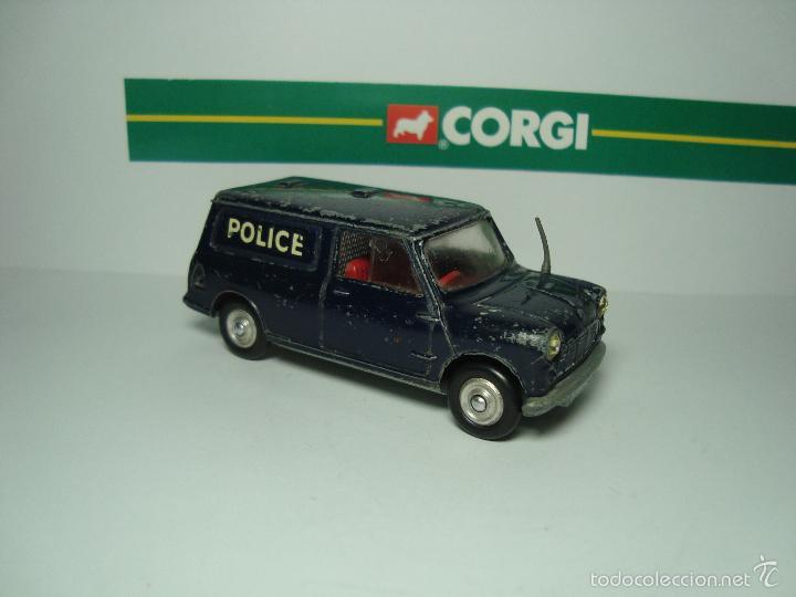 MINI MORRIS AUSTIN MINIVAN POLICIA DE CORGI TOYS 1,43 (Juguetes - Coches a Escala 1:43 Corgi Toys)