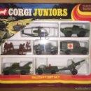 Coches a escala: CAJA VINTAGE DE CORGI JUNIORS- MILITARY GIFT SET COMPLETO SIN USO. Lote 58196254