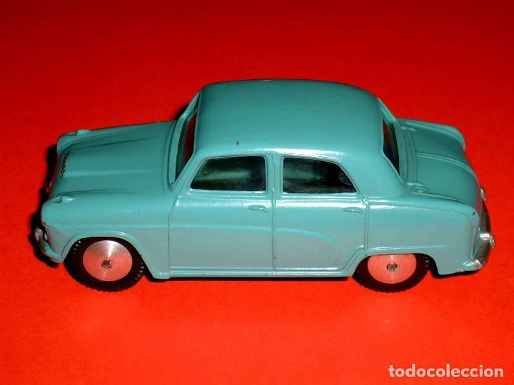 Coches a escala: Austin Cambridge ref. 201, metal esc. 1/43, Corgi Toys, original año 1956. - Foto 3 - 68617497