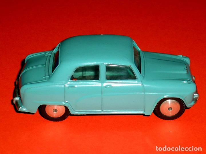 Coches a escala: Austin Cambridge ref. 201, metal esc. 1/43, Corgi Toys, original año 1956. - Foto 6 - 68617497