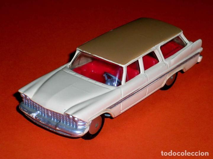 PLYMOUTH SPORTS SUBURBAN REF. 219, METAL ESC. 1/43, CORGI TOYS, ORIGINAL AÑO 1960. (Juguetes - Coches a Escala 1:43 Corgi Toys)