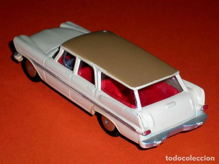 Coches a escala: Plymouth Sports Suburban ref. 219, metal esc. 1/43, Corgi Toys, original año 1960. - Foto 3 - 69974021