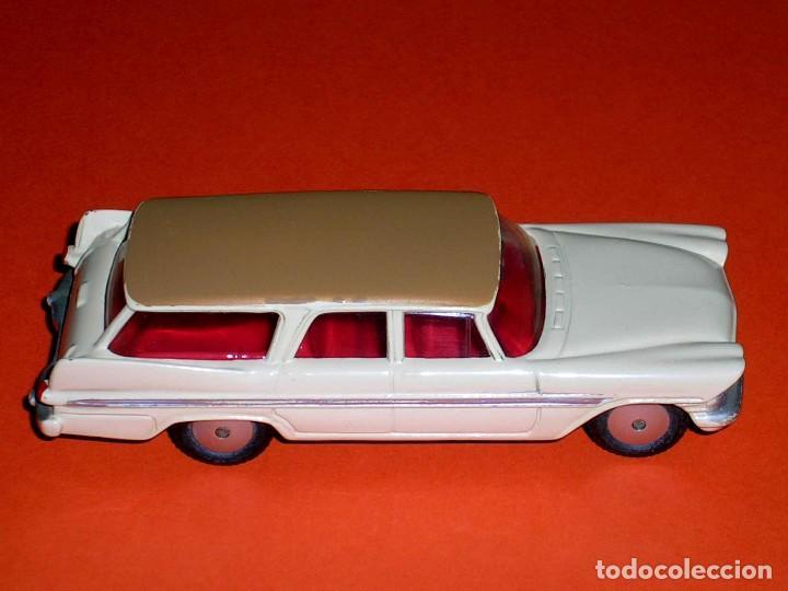 Coches a escala: Plymouth Sports Suburban ref. 219, metal esc. 1/43, Corgi Toys, original año 1960. - Foto 5 - 69974021