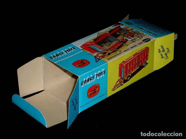 Coches a escala: Caja vacía empty box Chipperfield´s Circus Animal cage 1123 esc. 1/43, Corgi Toys. Original años 60. - Foto 2 - 87464256