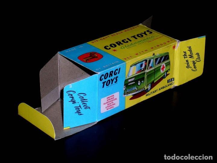 Coches a escala: Caja vacía empty box Commer Military Ambulance ref. 354, esc. 1/43, Corgi Toys. Original años 60. - Foto 2 - 87468188