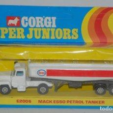 Coches a escala: CORGI JUNIORS SUPER 200 MACK ESSO PETROL TANKER-EXCELENTE, PRINCIPIOS DE CAJA. Lote 95883923
