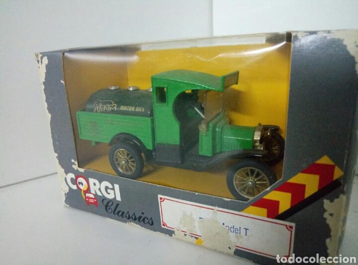 CORGI CLASSICS FORD MODEL T VERDE RIMENS MOTOR OIL (Juguetes - Coches a Escala 1:43 Corgi Toys)