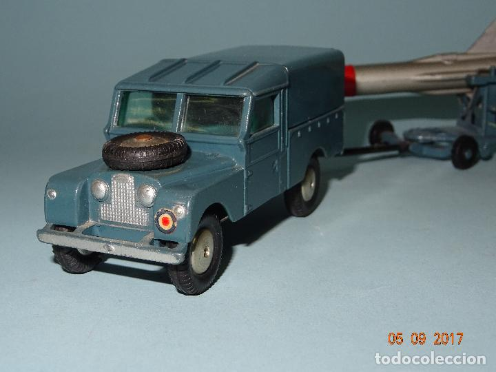 Coches a escala: Antiguo LAND ROVER con MISIL THUNDERBIRD en TROLLEY de CORGI TOYS Made in England 1958-62 - Foto 7 - 97253415