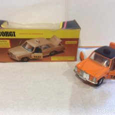 Coches a escala: 1975 VINTAGE CORGI TOYS MERCEDES BENZ 240 D ORANGE TAXI 411 MIB - FLA . Lote 103123819