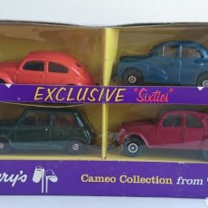 Coches a escala: CAJA EXCLUSIVA CADBURY'S DE CORGI MINI COOPER VW SPLIT 2CV MORRIS. Lote 103756731