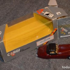 Coches a escala: EN CAJA ORIGINAL - CORGI CLASSICS - JAGUAR XK120 1949 - REF. 819 - 1:43 - MADE IN GB - AÑOS 80. Lote 107742567