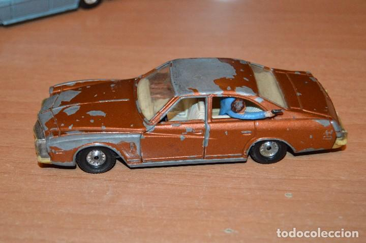 Coches a escala: VINTAGE - LOTE DE 2 COCHES CORGI - ESCALA 1/36 - MERCEDES 240D / BUICK REGAL KOJAK - MADE IN GB - - Foto 3 - 108617523