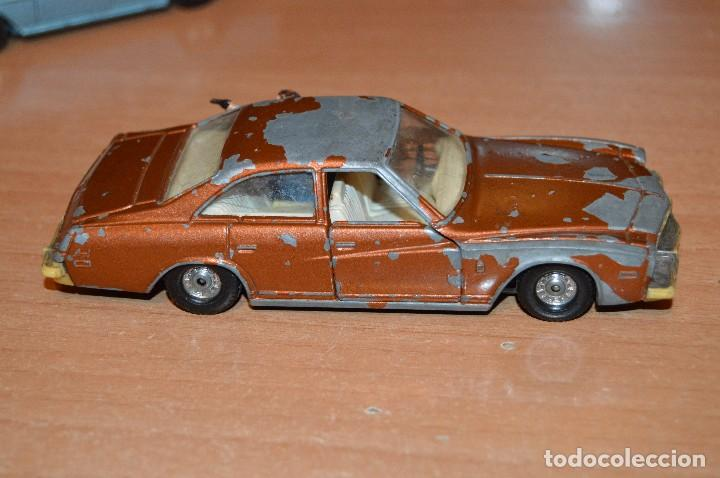 Coches a escala: VINTAGE - LOTE DE 2 COCHES CORGI - ESCALA 1/36 - MERCEDES 240D / BUICK REGAL KOJAK - MADE IN GB - - Foto 5 - 108617523