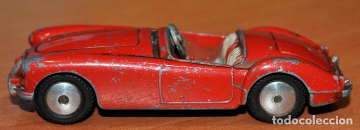 Coches a escala: ANTIGUO COCHE MGA DE CORGI TOYS. ESCALA 1/43 - Foto 2 - 112225255
