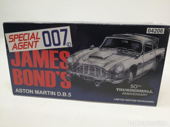Coches a escala: Aston Martin DB5 de James Bond 007 de CORGI TOYS. Edición limitada. Nuevo - Foto 4 - 112836339