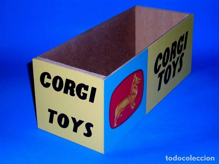 WOODEN BOX SING - TOP SHOP DISPLAY STAND, CORGI TOYS MADE IN ENGLAND, AÑOS 50-60 (Juguetes - Coches a Escala 1:43 Corgi Toys)