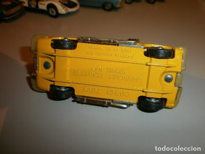 Coches a escala: antiguo corgi toys chevrolet corvette sting ray - Foto 3 - 120434103