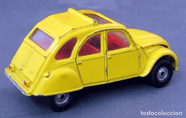 Coches a escala: Citroen 2 CV Corgi Toys 1/43 James Bond 007 amarillo 1981 - Foto 2 - 121616203