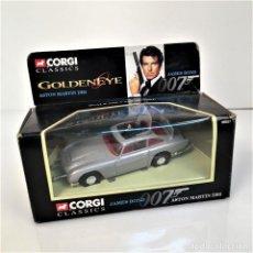 Coches a escala: CORGI JAMES BOND 007 GOLDENEYE SILVER ASTON MARTIN DB5 EN CAJA ORIGINAL. Lote 124146019