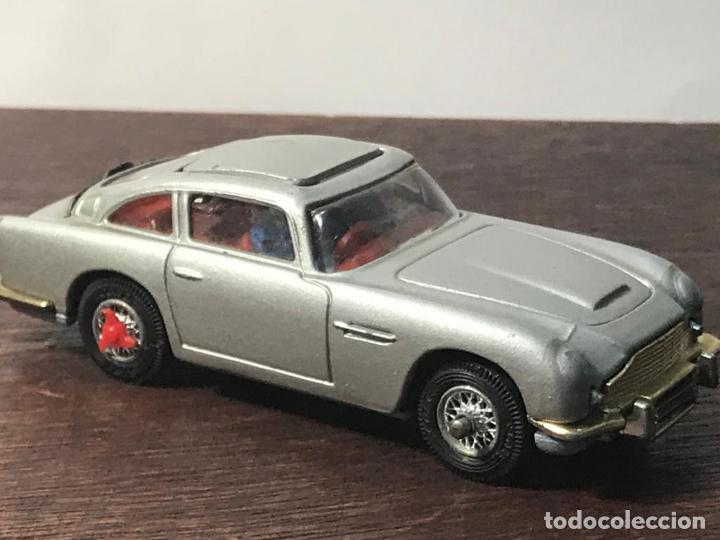 Coches a escala: ASTON MARTIN DB 5 - NEW- JAMES BOND - 007 - CORGI TOYS - MADE IN BRITAIN - Foto 8 - 135802578