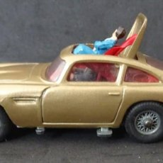 Coches a escala: CORGI JAMES BOND ASTON MARTIN GOLDFINGER. Lote 138709986