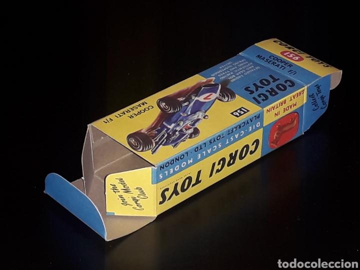 Coches a escala: Caja vacía empty box Cooper Maserati F-1 nº 156, esc. 1/43, Corgi Toys. Original años 60. - Foto 7 - 141461486