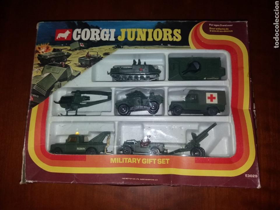 CORGI MILITARY GIFT COMPLETO EN BLISTER MUY ESCASO (Juguetes - Coches a Escala 1:43 Corgi Toys)