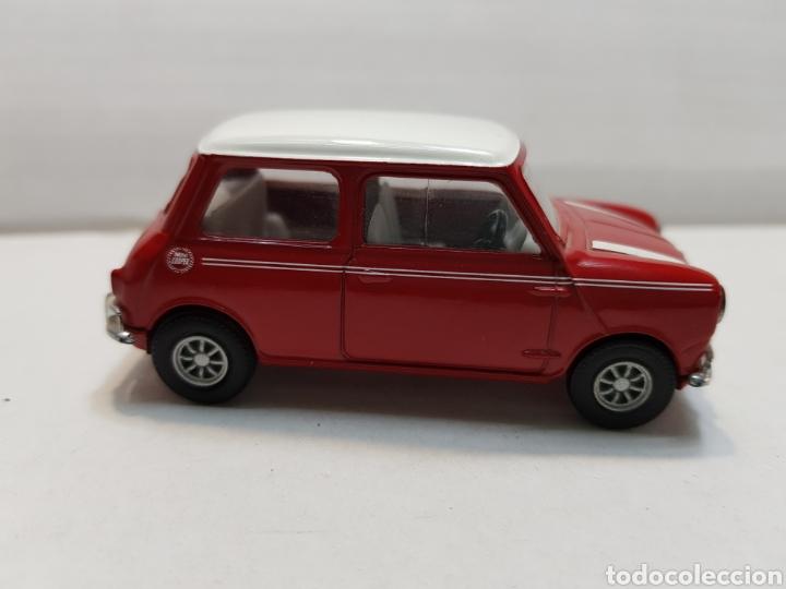 Coches a escala: Coche Mini de Corgi buen estado - Foto 2 - 146719277