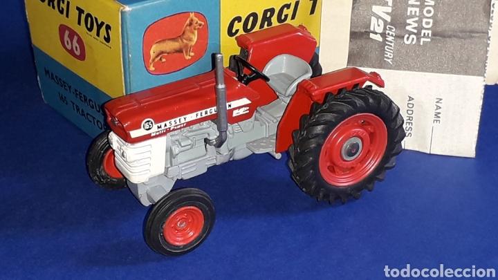 Coches a escala: Tractor Massey Ferguson 165 ref. 66, esc. 1/43, Corgi Toys. Original años 60. Caja original. - Foto 2 - 153743384