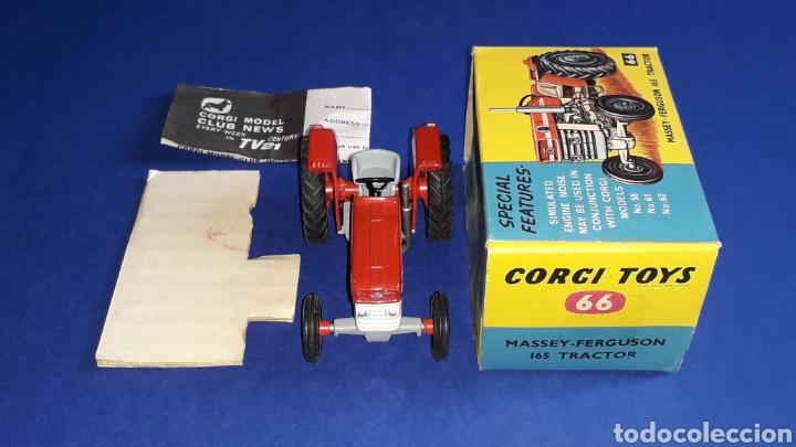 Coches a escala: Tractor Massey Ferguson 165 ref. 66, esc. 1/43, Corgi Toys. Original años 60. Caja original. - Foto 6 - 153743384