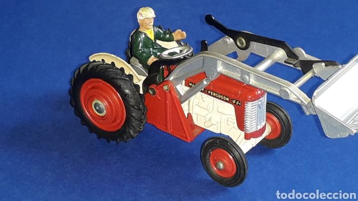 Coches a escala: Tractor Massey Ferguson 65 Shovel ref. 53, esc. 1/43, Corgi Toys. Original años 50-60. - Foto 2 - 153744142