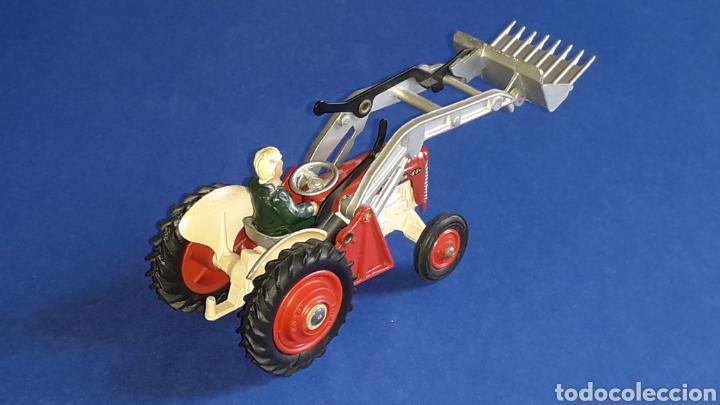 Coches a escala: Tractor Massey Ferguson 65 Shovel ref. 53, esc. 1/43, Corgi Toys. Original años 50-60. - Foto 6 - 153744142