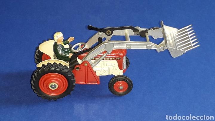 Coches a escala: Tractor Massey Ferguson 65 Shovel ref. 53, esc. 1/43, Corgi Toys. Original años 50-60. - Foto 7 - 153744142
