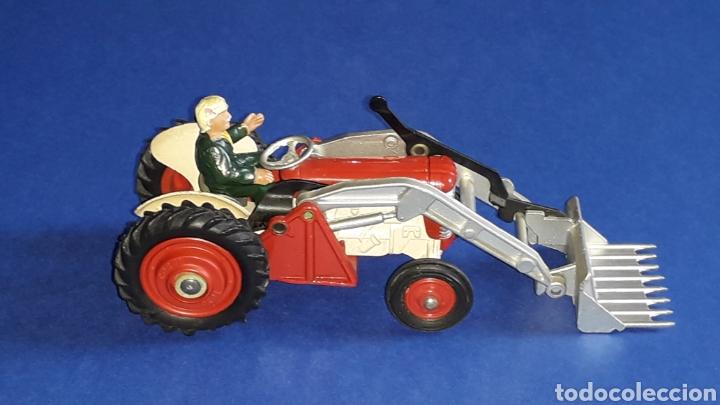 Coches a escala: Tractor Massey Ferguson 65 Shovel ref. 53, esc. 1/43, Corgi Toys. Original años 50-60. - Foto 8 - 153744142