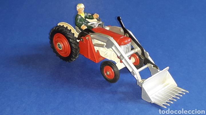 Coches a escala: Tractor Massey Ferguson 65 Shovel ref. 53, esc. 1/43, Corgi Toys. Original años 50-60. - Foto 9 - 153744142