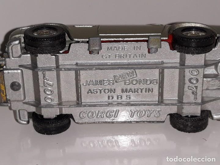 Coches a escala: CORGI TOYS : ANTIGUO COCHE ASTON MARTIN DB5 - JAMES BOND 007 - GOLDFINGER MADE IN GREAT BRITAIN - Foto 13 - 159323970