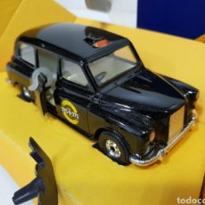 Coches a escala: LONDON TAXI / CORGI / ANTIGUO COCHE ESCALA.. Lote 175302357