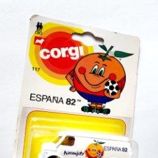 Voitures à l'échelle: FURGONETA NARANJITO DE CORGI. Lote 184557007