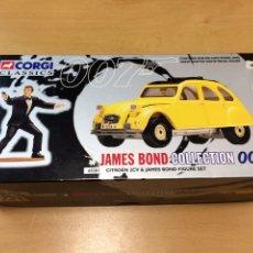 Coches a escala: CORGI JAMES BOND 007 COLLECTION 2 CV + FIGURA. Lote 186105115