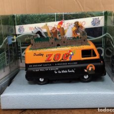 Coches a escala: MORRIS J2 VAN DUDLEY ZOO. ESPECIAL 70TH ANNIVERSARY COLLECTOR MODEL. CORGI. EN CAJA ORIGINAL. Lote 194786747