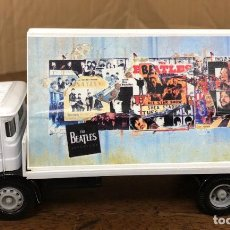 Coches a escala: CORGI. AEC 4 WHEEL FLATBED LORRY. THE BEATLES COLLECTION. EN SU CAJA. Lote 194787305