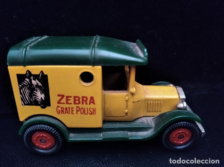 T FORD VAN, ZEBRA GRATE POLISH - CORGI AÑOS 70, DIECAST METAL- COCHE ANTIGUO- 8X5X4CM. (Juguetes - Coches a Escala 1:43 Corgi Toys)