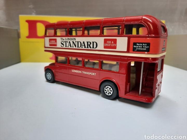 Coches a escala: CORGI BUS LONDON TRANSPORT AUTOBUS THE LONDON STANDARD - Foto 2 - 214318505