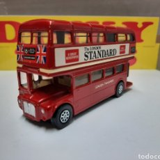 Coches a escala: CORGI BUS LONDON TRANSPORT AUTOBUS THE LONDON STANDARD. Lote 214318505