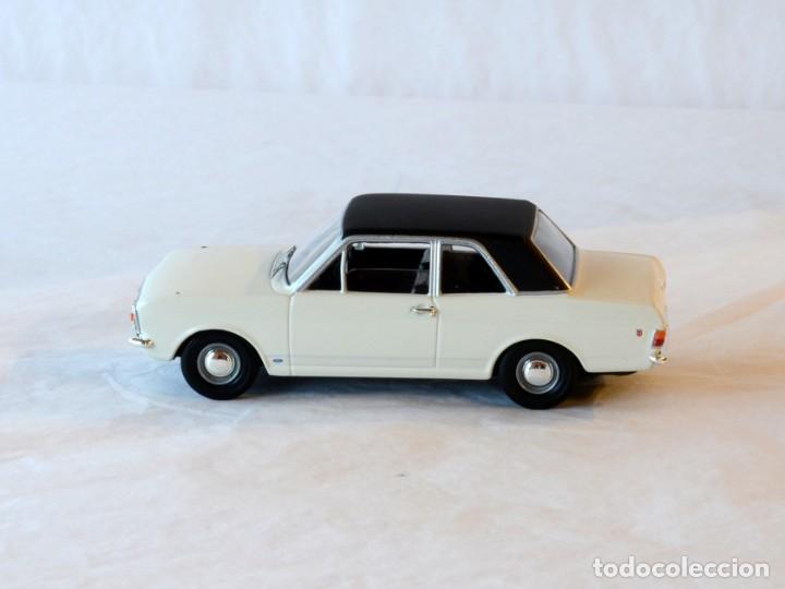 Coches a escala: Vanguards VA04100 Ford Cortina MKII GT1:43 Lledo Corgi - Foto 5 - 236982990